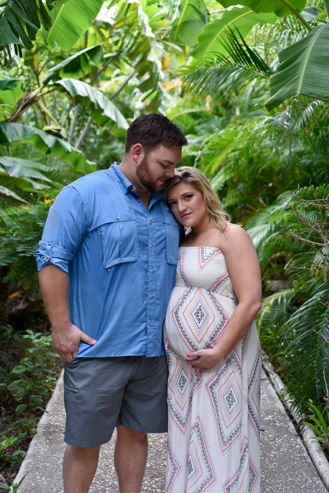 Maternity photos at Cala Luna Boutique Hotel in Tamarindo, Costa Rica. Photographed by Kristen M. Brown, Samba to the Sea Photography.