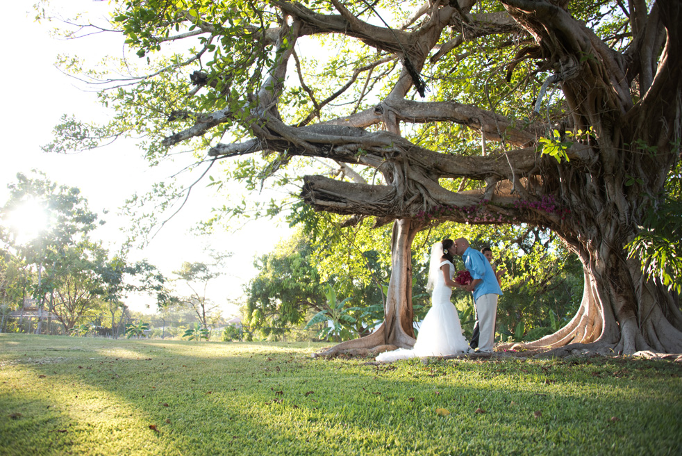 Elopement-Tamarindo-Costa-Rica-Haceinda-JJ-Samba-to-the-Sea-Photography-10