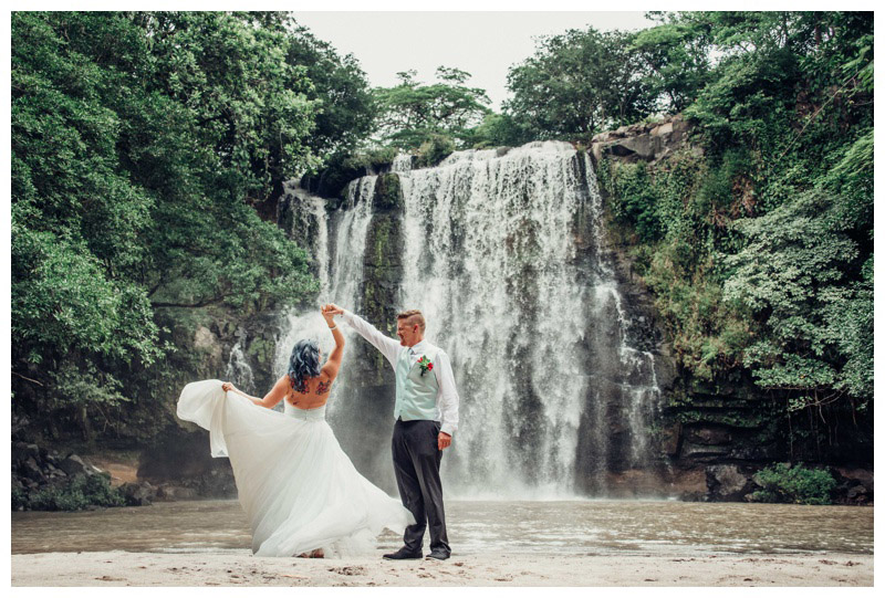 Intimate Costa Rica Waterfall Elopement || Nicole + Martin