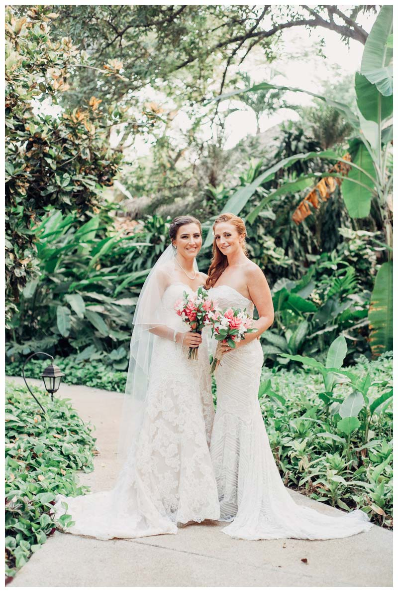 Tropical wedding in Tamarindo Costa Rica. Wedding at Langosta Beach Club in Tamarindo Costa Rica. Photographed by Kristen M. Brown, Samba to the Sea Photography.