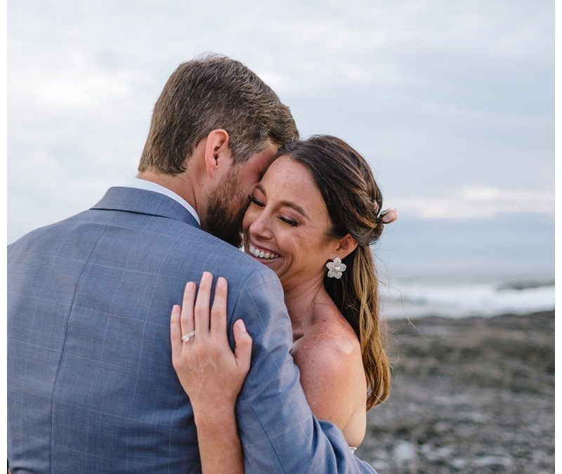 Elopement on the beach in Playa Langosta || Amanda + Adam